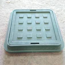 Люк смотровой квадрат d315 зеленый 375*77/300/265
