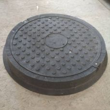 Люк круг Большой усиленный черный с замком (4,5т) 770*90/630